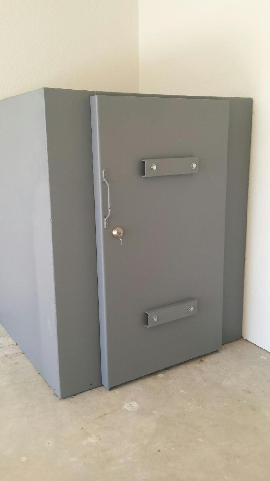 Steel safe room photo gallery they are custom built for Safe rooms
