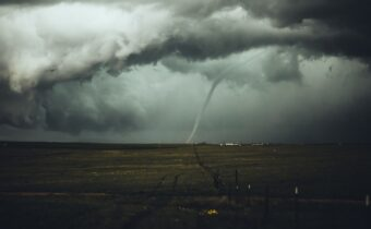 signs before tornado