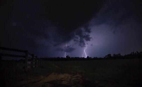 tornado approaching.