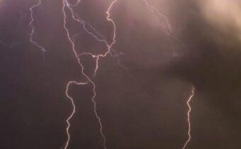storm lightening