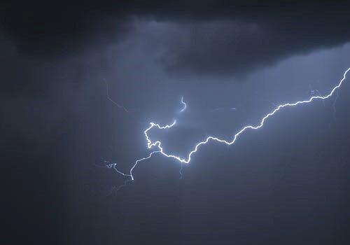 a thunderstorm lightening
